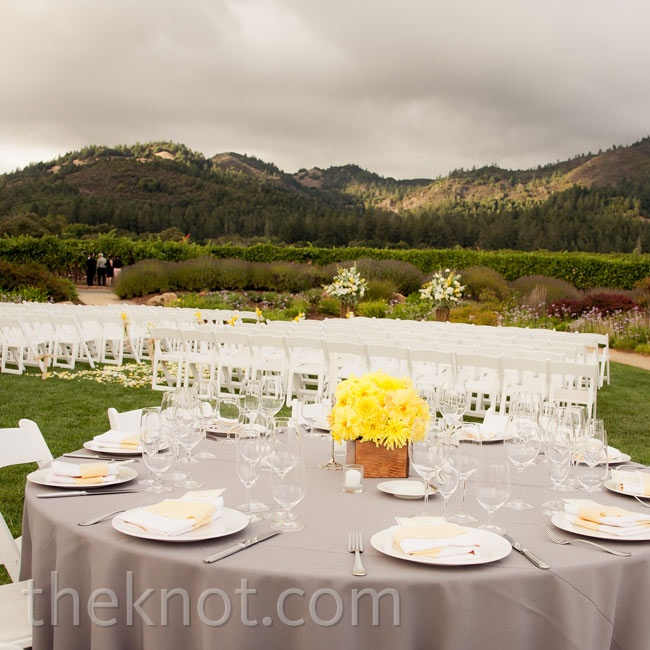 With such a picturesque landscape, it only made sense to hold both the ceremony and reception outdoors.