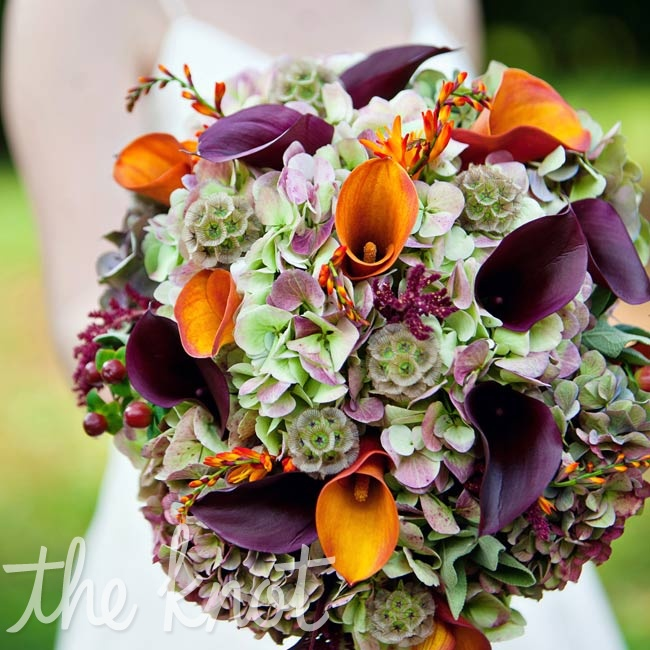 Samantha's rich mix of green-and-purple marbled hydrangeas and eggplant and orange calla lilies fit right in with the wedding style and the fall season.