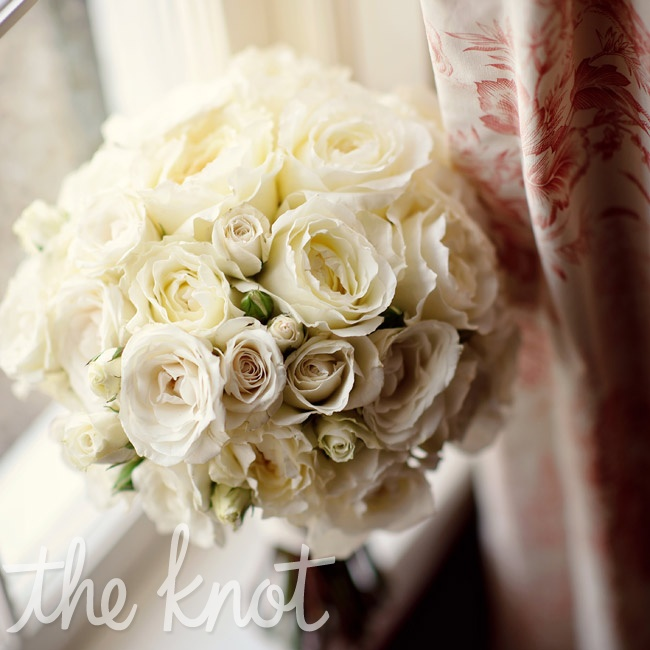 Annie's bouquet comprised only one type of bloom: tightly arranged roses.
