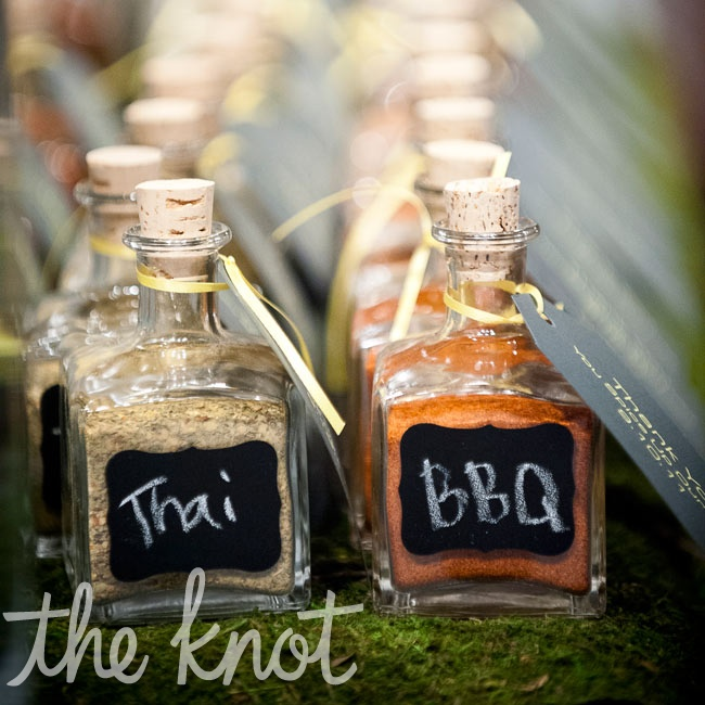Guests grabbed Thai- and barbeque-flavored spice blends to take home at the end of the night.
