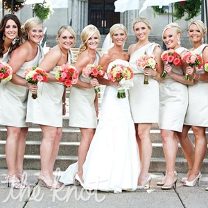 Liz wanted her bridesmaids to wear neutral champagne-colored dresses to offset the vibrant florals.