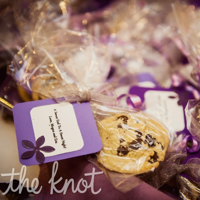 """Megan and Eric wanted their guests to have a """"Sweet End to a Sweet Night"""" so they gave out milk and cookies to their guests at the end of the end of the night."""
