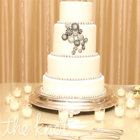 Broach-Decorated Wedding Cake