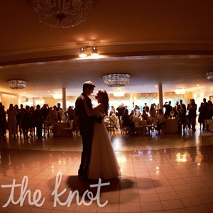 "Tarah and Sean had their first dance to ""Northern Sky"" by Nick Drake.  At the end of the night, they danced to ""(I've Had) The Time of My Life"" by Bill Medley and Jennifer Warnes from Dirty Dancing – and even finished with the iconic lift."