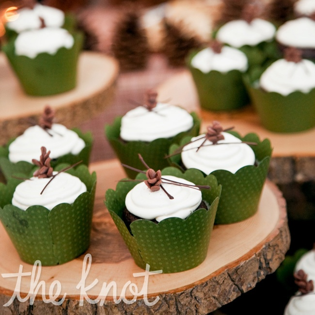 Instead of a traditional groom's cake, Jens opted for fun cupcakes topped with chocolate-made mini pinecones and pine needles.
