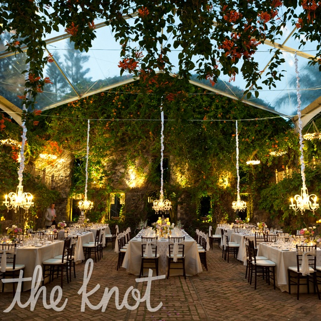 The location for the reception, Haiku Mill, Has a European charm and is tucked away from crowds.