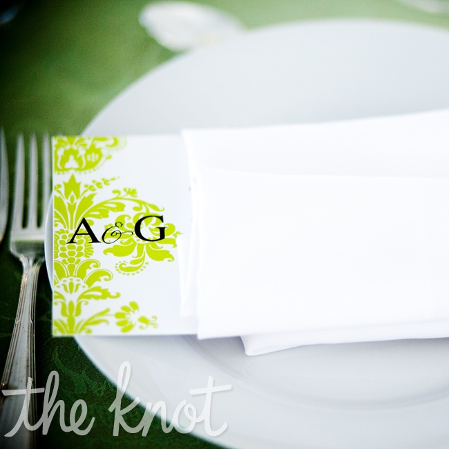 Ashley and Grant created a clean look with a green and white color palette. The menu cards helped further carry out their theme and colors.