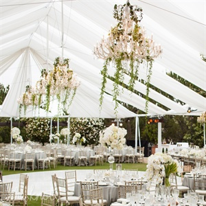 The bride had her heart completely set on an outdoor dinner, which, in Orange County,where there aren't too many tent-friendly venues, presented something of a challenge, explains planner Jeannie Savage. But having that nonnegotiable as a guide helped quickly narrow down the sites that would work, until they found and settled on the golf club.