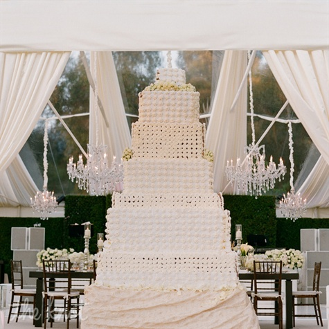 Luxurious Modern Wedding Cake