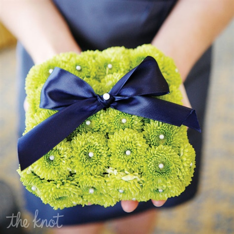 Green Mum Ring Pillow