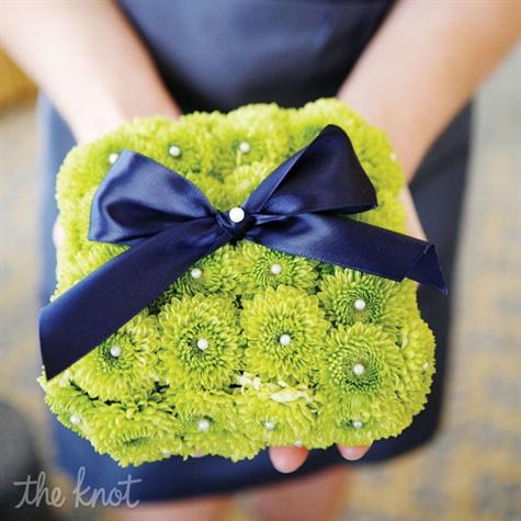 Green Mum Ring Pillow