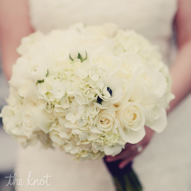 Dana carried an all-white bouquet of peonies, ranunculus, anemones, hydrangeas and roses.