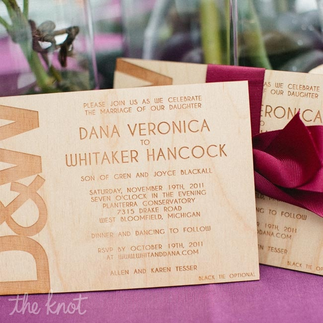 Rustic, carved-wood invitations arrived at guests' houses in custom boxes.