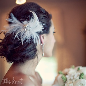 White Feather Fascinator