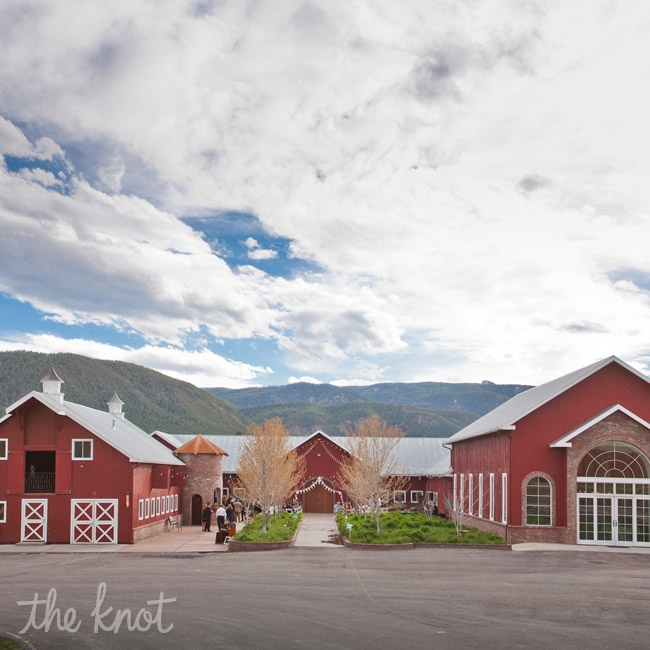 The couple loved how their venue fit their rustic wedding style perfectly.