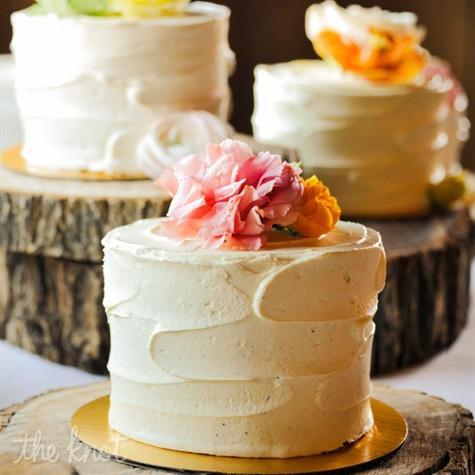 Mini Wedding Cake Display
