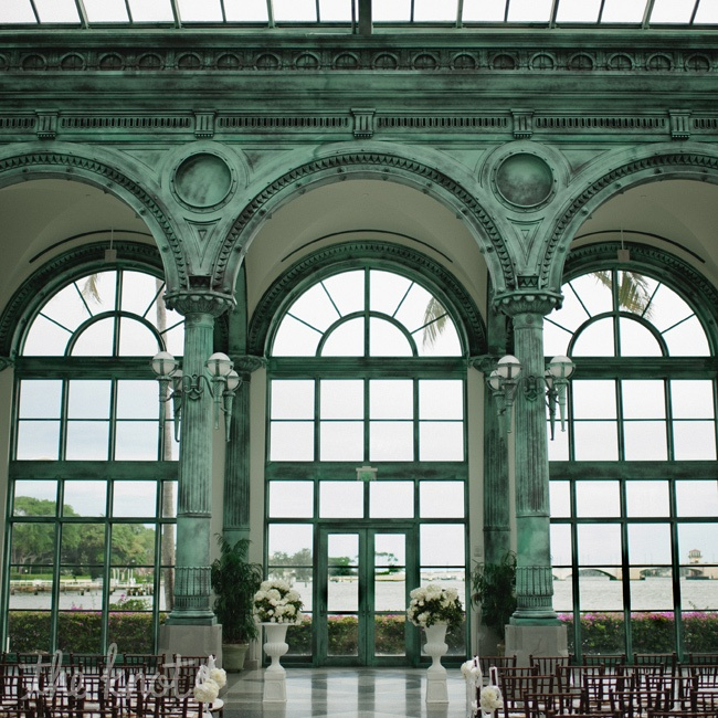 The stunning glass and verdigris pavilion called for minimal decor.