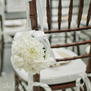 White Pomander Ceremony Decor