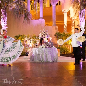 To celebrate Aneska's heritage, traditional Panamanian folk dancers performed several crowd-pleasing numbers