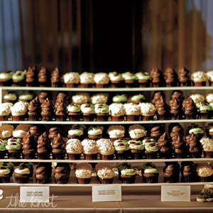 In place of cake, an artful display of bite-size cupcakes offered lots of flavor variety.