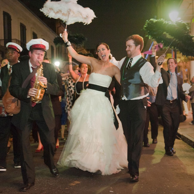 New Orleans Wedding Ideas: A Romantic Outdoor Wedding In New Orleans, LA