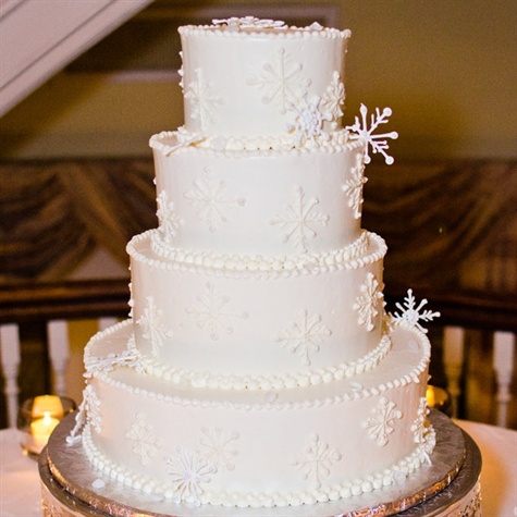 Winter-Themed Wedding Cake