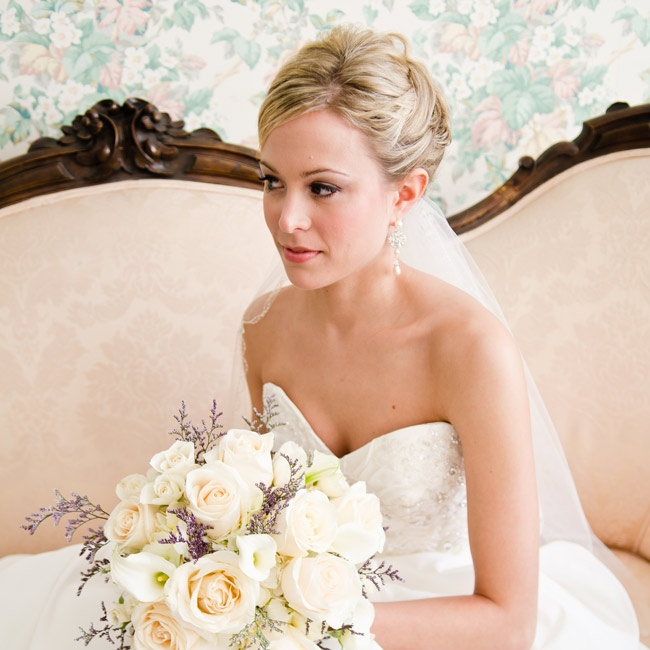 For a soft, romantic look, Jennifer wore her hair in an elegant updo.