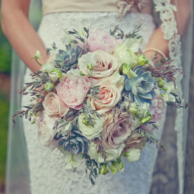 Alycia carried a big bunch of blush roses, peonies, greens and succulents.