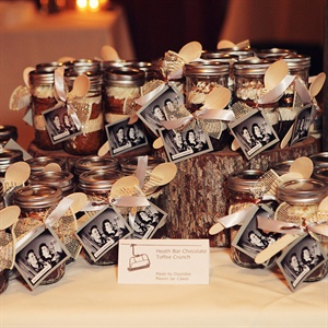 Mason Jar Cake Display