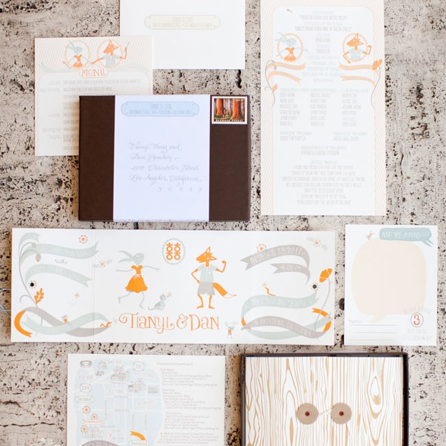 With over 10 years of invitation design experience under her belt, Tianyi knew exactly what she wanted. The result? An illustrative storybook-style suite.