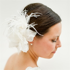 White Ostrich Feather Fascinator
