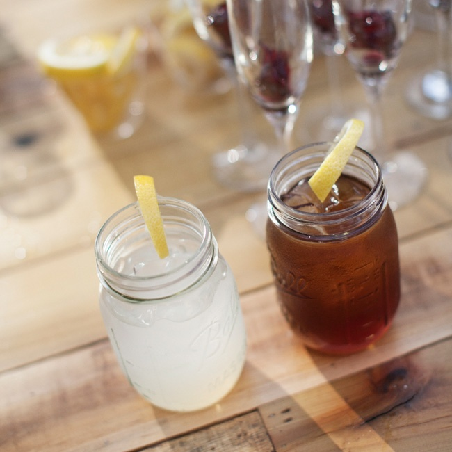 The guests were greeted with fresh lemonade, iced tea and Proseco when they arrived at the ceremony.