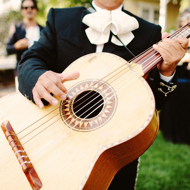 A mariachi band played during the cocktail hour.