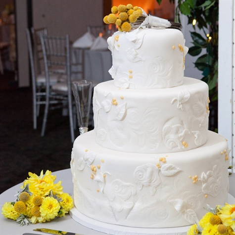 Leaf Design Wedding Cake