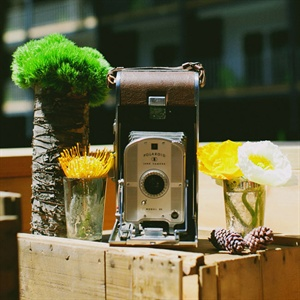 This vintage Polaroid camera was displayed alongside other memorabilia Wei brought from the couple's first wedding.