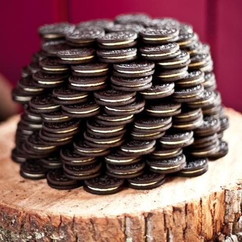 "Oreo Groom's ""Cake"""