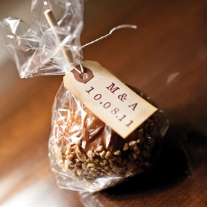 Melissa handmade 150 caramel apples - a sweet takeaway for guests and a nod to Andy's proposal.