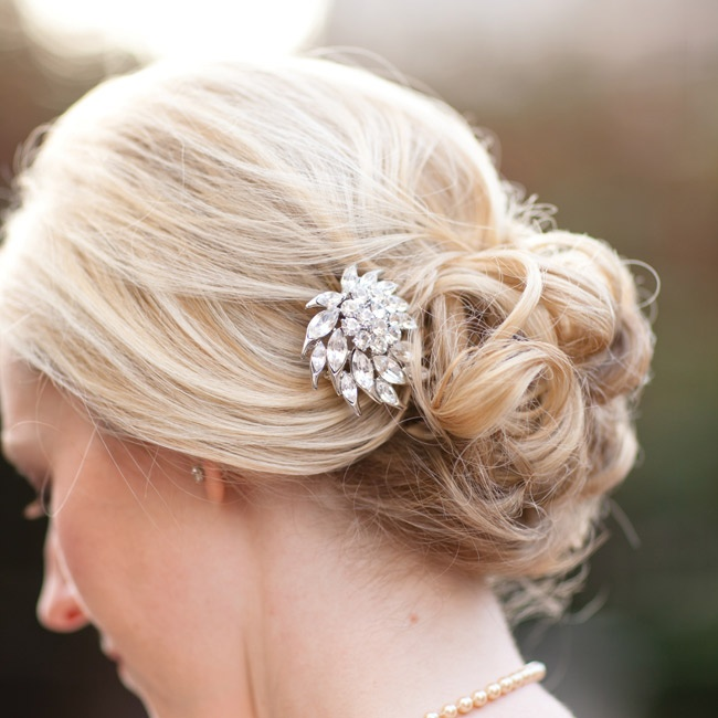 Melissa wore her hair in a low, loose bun and accessorized with a pair of diamond studs and a strand of her grandmother's pearls.