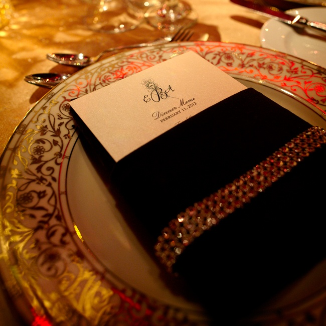 To set the tone for an elegant old-world glamourous wedding theme, Libbey's place settings featured a crystal embellished napkin on top of ornate gold chargers. The menu included classic favorites like braised short ribs and slow-cooked salmon.