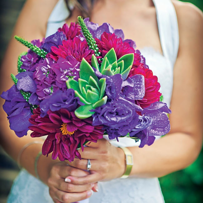 Savana carried a lush, vibrant bunch of purple and fuchsia flowers, along with some bold succulents.