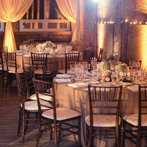 Natural burlap and mossy-green-colored linens topped the tables so as not to take away from the already beautiful rustic décor.