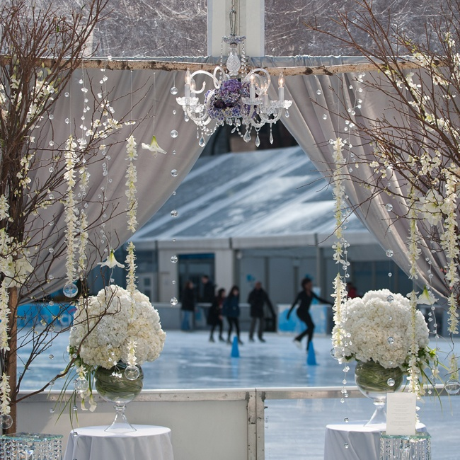 Amy Shey Jacobs planned the wedding, paying special attention to the event flowers and crystal decor.
