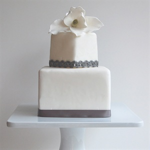 Modern Magnolia Cake