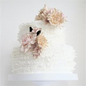 White Dahlia Cake