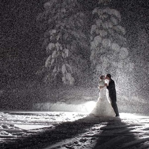 Snowfall Wedding Photo