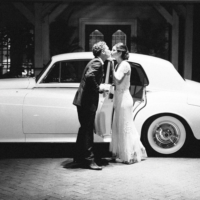 The reception ended with a surprise—a ride back to the honeymoon suite in a cream-colored 1960s Rolls-Royce Silver Cloud II.