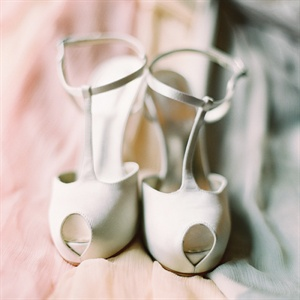 Peep-toe T-strap heels struck a timeless balance of sweet and sexy.