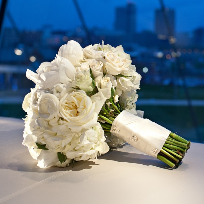 The bridal bouquet was composed of white