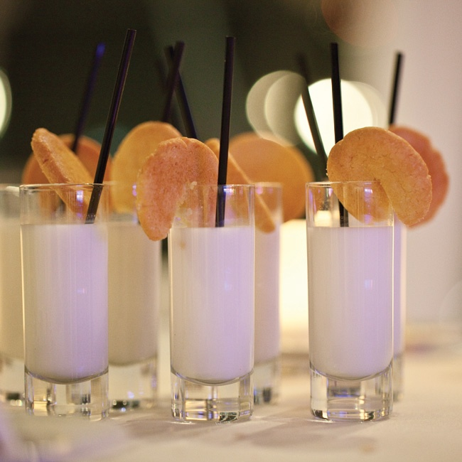 Keeping with the white palette, the couple passed out milk and sugar cookie shooters while their guests danced the night away.