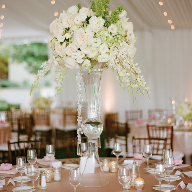 Round tables were topped